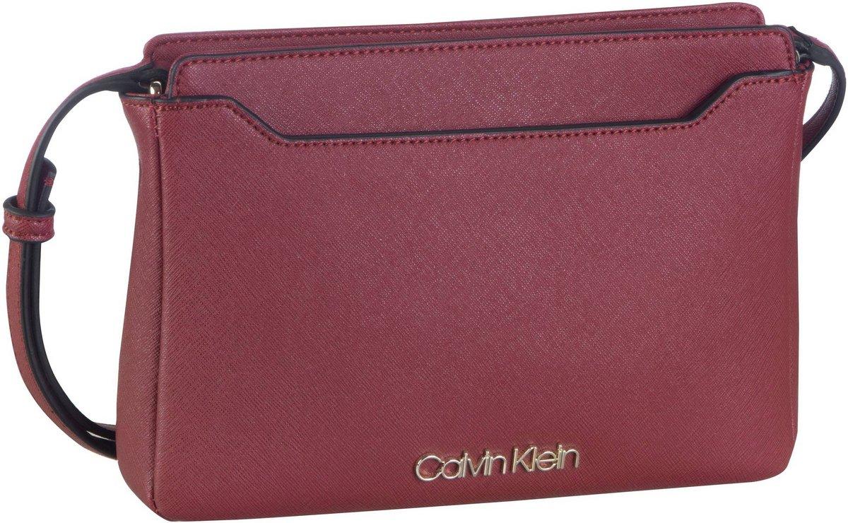 Calvin Klein CK Task EW Xbody : Umhängetaschen Querformat