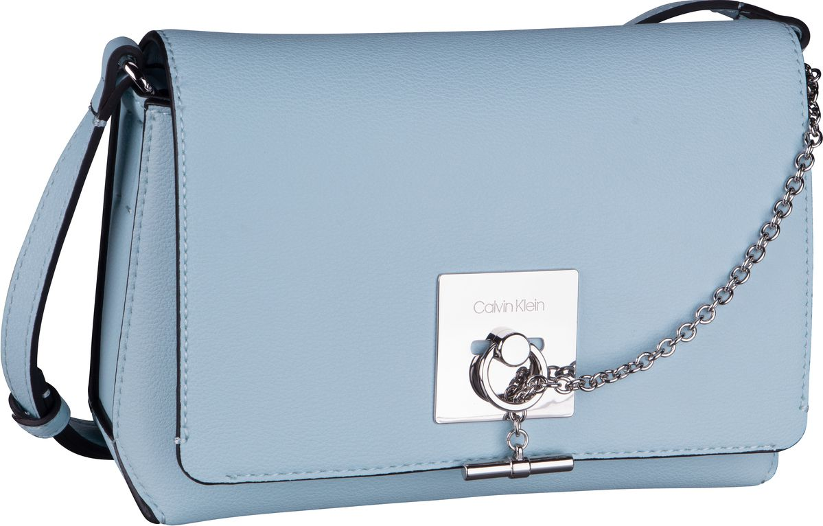 Umhängetasche CK Lock Medium Flap Crossbody Pale Blue