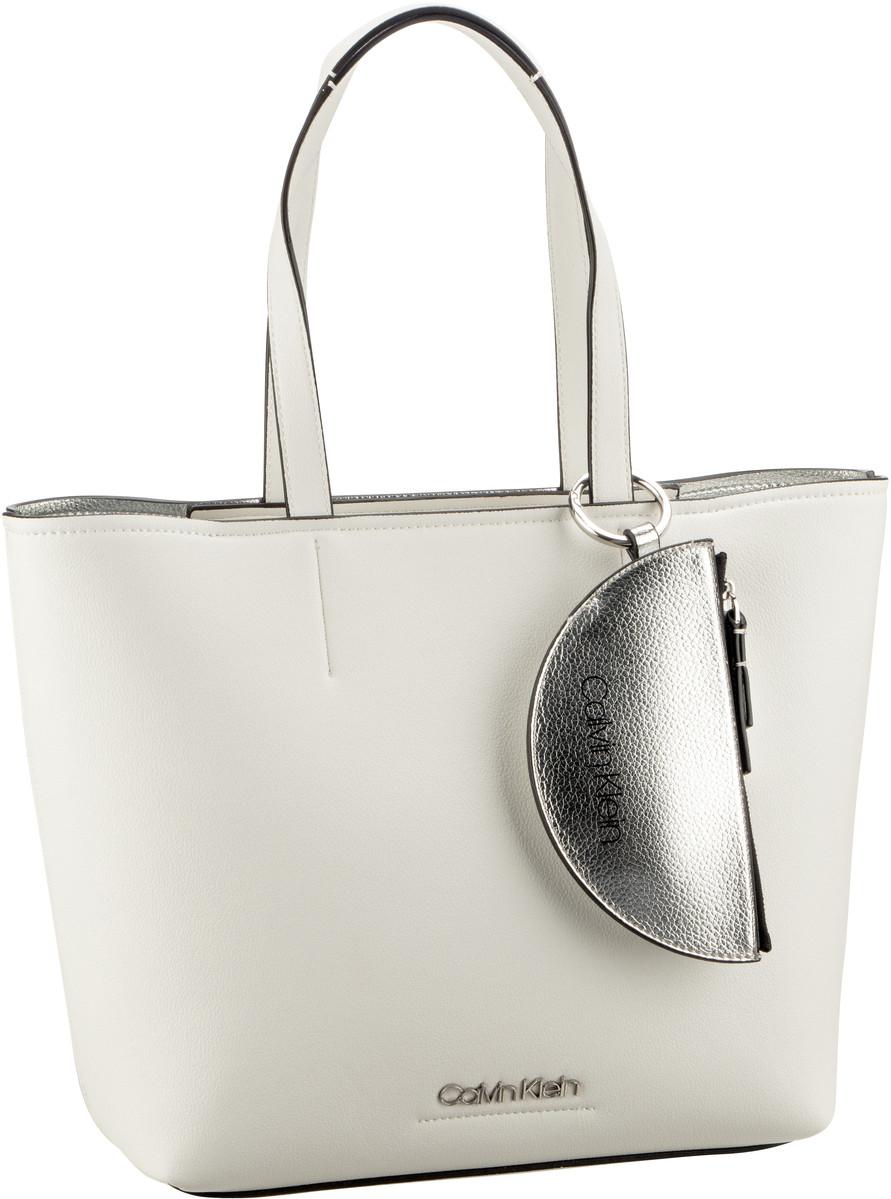 Handtasche CK Must Medium Shopper Bright White