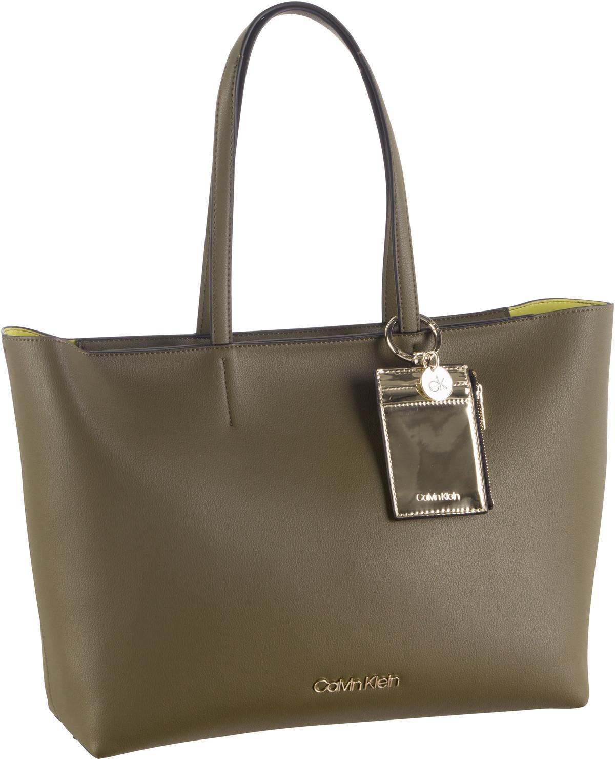 Handtasche CK Must PSP20 Medium Shopper Dark Olive