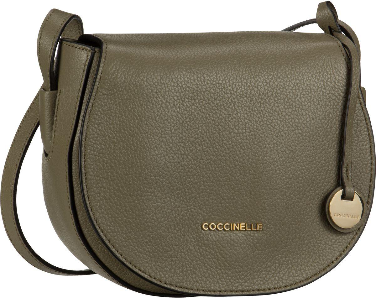 Schultertaschen für Frauen - Coccinelle Umhängetasche Clementine Soft 1502 Military  - Onlineshop Taschenkaufhaus