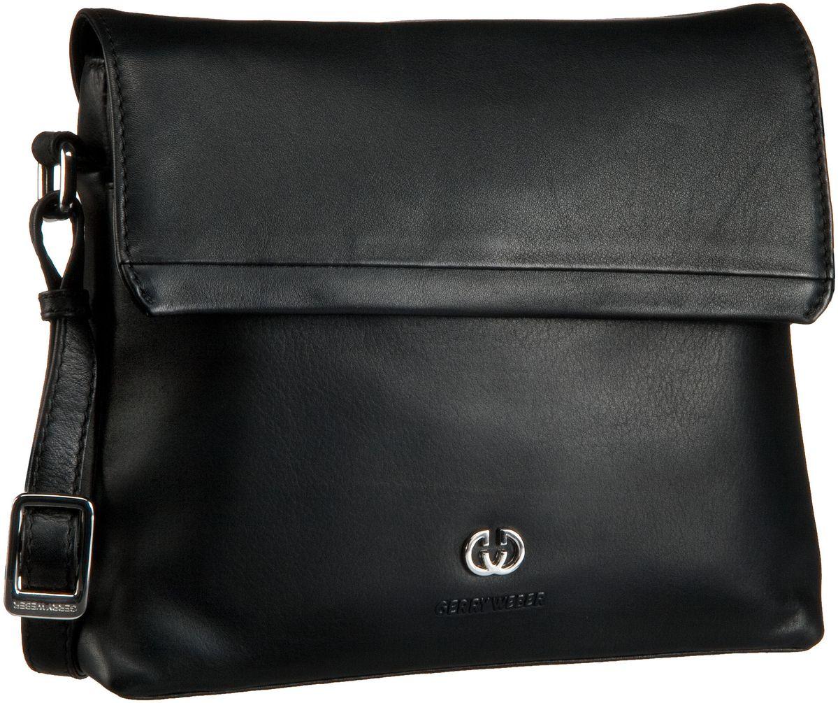Umhängetasche Piacenza Flap Bag M Black