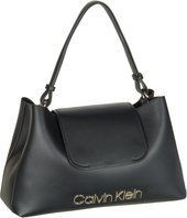 dd3e96ae1e4a0 Calvin Klein Dressed Up Top Handle  Elegant und authentisch präsentiert  sich die Schultertasche von Calvin