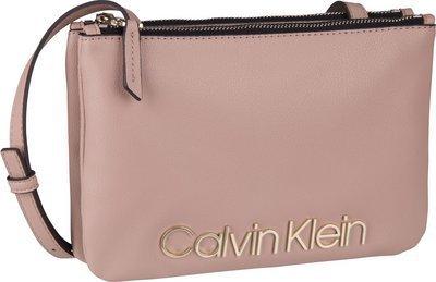 db43f1cfab409 Calvin Klein CK Must Crossover Fern   Umhängetaschen Querformat von ...
